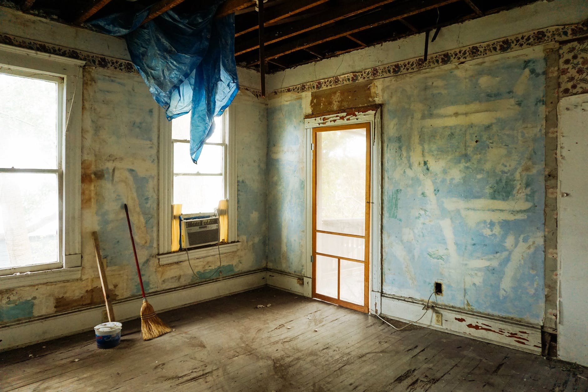 Should You Renovate Or Sell Your Property Investment In A Market Downturn?